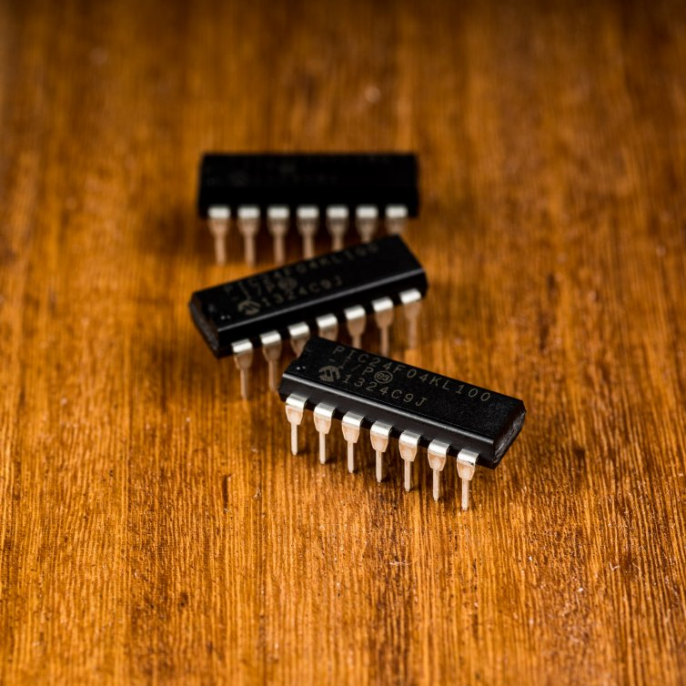 Microchip PIC24